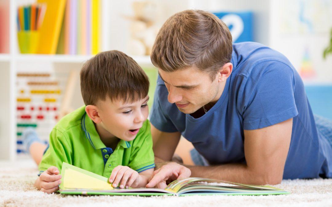 Comment apprendre à lire à un enfant en 10 étapes