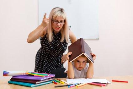 Face à un enfant en difficulté, 15 attitudes positives à adopter